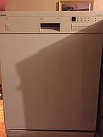 Посудомоечная машина Siemens белого цвета