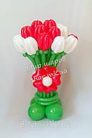 Большой букет тюльпанов из воздушных шаров