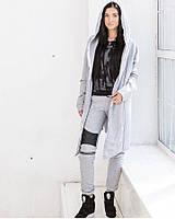 Женский крутой теплый костюм: кардиган с капюшоном и штаны со змейками на коленях и кожаные вставки