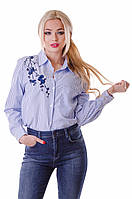 Полосатая блуза с вышивкой на груди