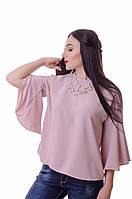 Легкая блузка с руками-воланами