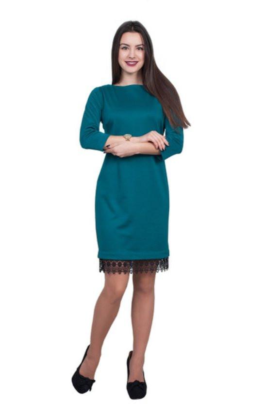 Элегантное бирюзовое платье с вставкой из гипюровой ленты