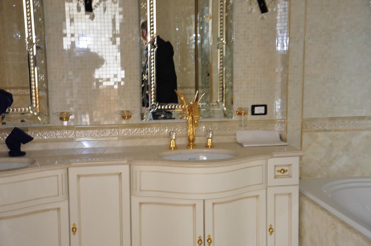 Столешница мойдодыр в ванную столешница из дсп встройка варочной панели западлецо