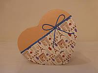 Бокс подарочный картонный с бантом в виде сердца (большой)