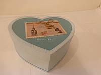 Бокс подарочный картонный с бантом в виде сердца (средний)