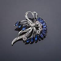 Брошь Ветвь с бантом синие кристаллы