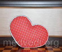 Красная подушка-сердце ручной работы