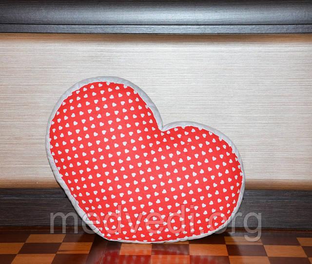 Подушка-сердце ручной работы