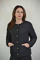 Синтепоновая женская куртка на кнопках черного цвета