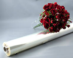 Пленка прозрачная для упаковки цветов, толщина 30 мкм. Ширина 300-800 мм. Вес рулона 400 грамм.