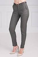 Строгие женские брюки с поясом на талии укороченные