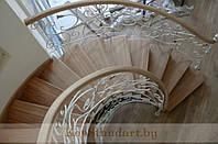 Лестницы с кованными ограждениями