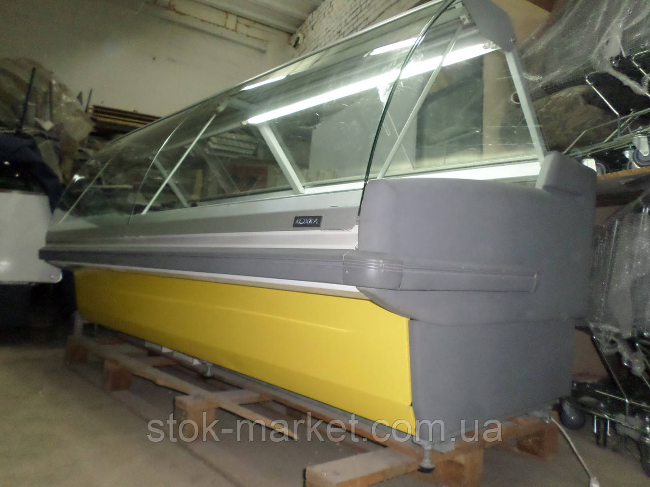 Витрина холодильная KOXKA  2.6 м. бу,  Холодильный прилавок б/у