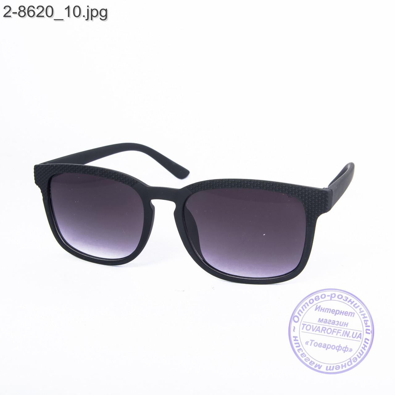 Солнцезащитные очки унисекс - черные - 2-8620
