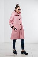 Женское розовое пальто из натуральной шерсти с капюшоном