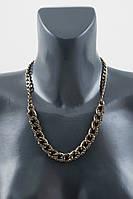 Женское колье в виде цепочки из металла с кристаллами