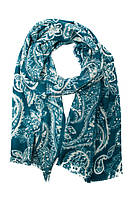 Зеленый шарф с красивым узором