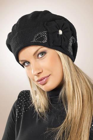 Женский стильный теплый берет, украшенный бусинками и цветочной аппликацией, Pawonex Польша., фото 2