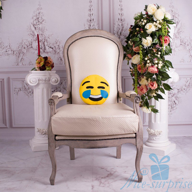 купить подушку эмоджи в Украине