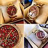 Часы Guess 114612 женские золотистый корпус циферблат в камнях копия красный копия
