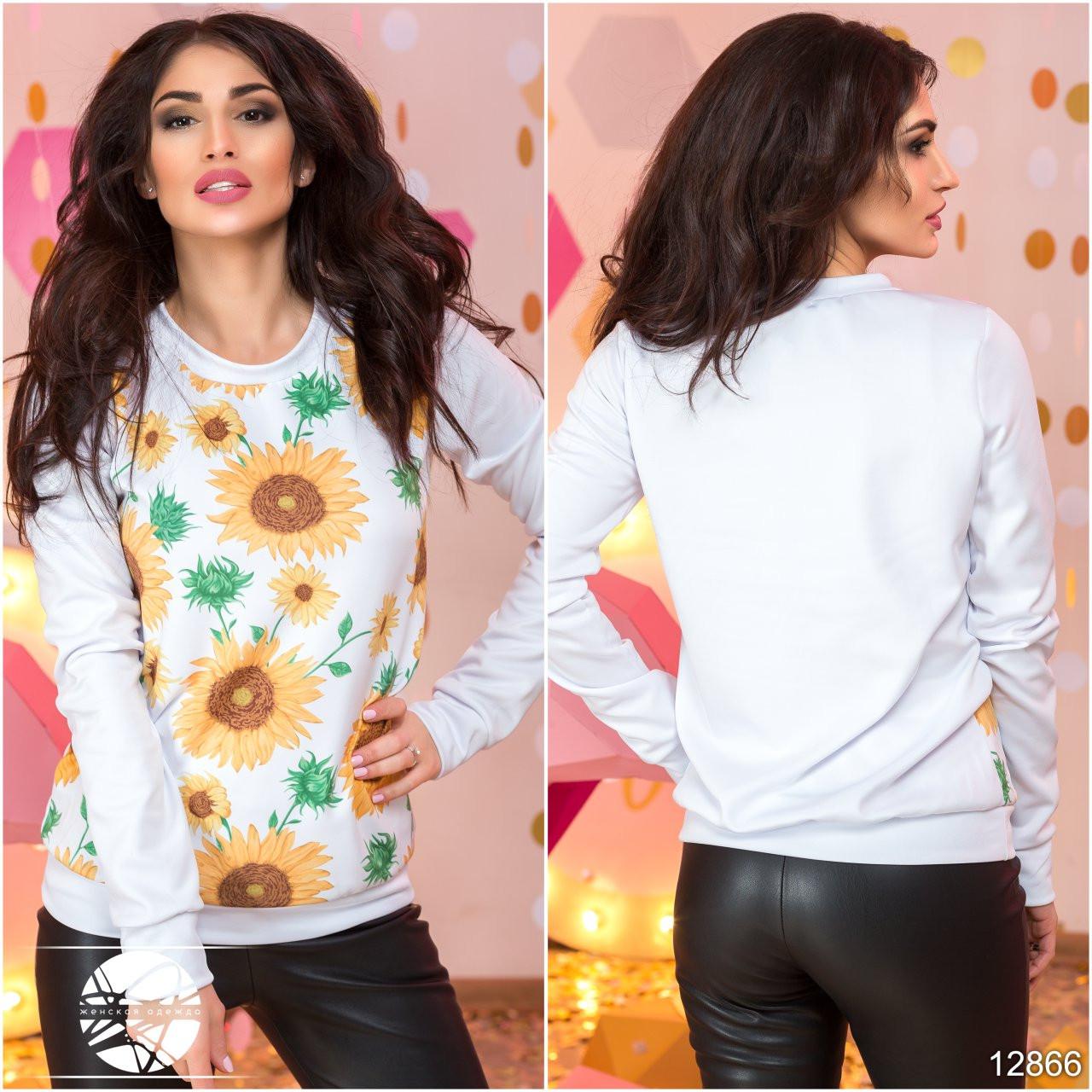 f920e1c269ba2 Стильный женский свитшот белого цвета с цветочным принтом. Модель 12866.
