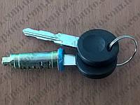 Личинка замка (цугалик, сердцевина) замка двери Volkswagen T4 POLCAR 9566Z13