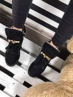 Женские  сникерсы на танкетке 6 см, эко замша, черные / кроссовки  сникерсы женские на шнуровке, красивые