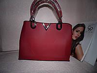 Красная сумка в стиле Louis Vuitton (Есть дефект, смотрите фото)