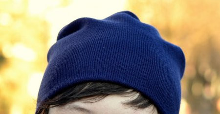 Стильная молодежная шапка для подростков