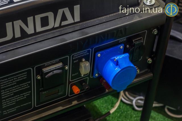 Бензиновый генератор Hyundai HHY 7000FE ATS  фото 4
