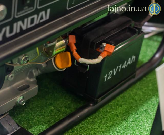 Бензиновый генератор Hyundai HHY 7000FE ATS фото 3