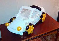 Автомобиль с откидным верхом из воздушных шаров