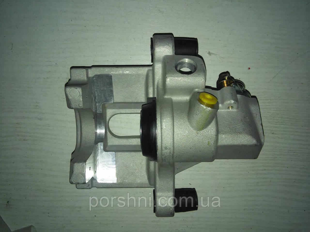 Супорт гальмівний задній Ford Focus II 2004 > C-MAX RH N: 1223704
