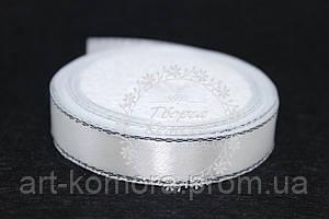 Атласная лента белая с серебряным люрексом, 1,2cм, в рулоне 33 м