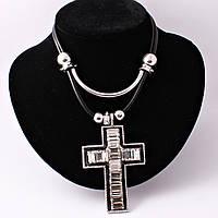 Колье в виде креста