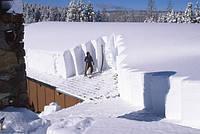 Опасности сильного снегопада на крышу