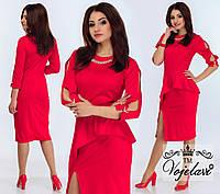 Модное красное  платье с баской, колье в комплекте.  Арт-9907/41