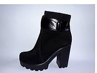 Женские замшевые ботинки на высоком каблуке