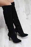 Демисезонные замшевые черные ботфорты на каблуке