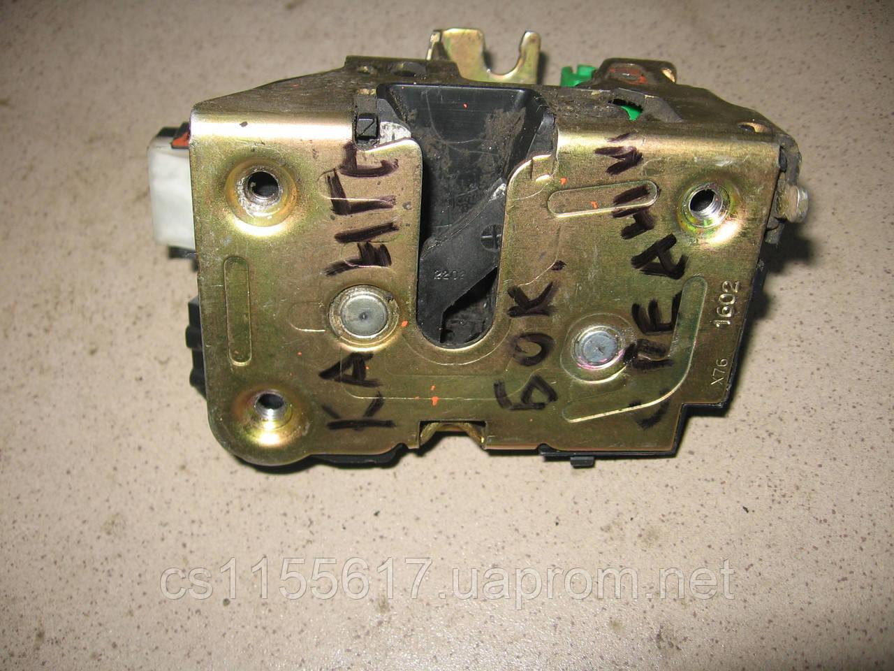 Замок боковой праой двери электрический (2 пина) б/у на Renault Kangoo 1997-2003 год