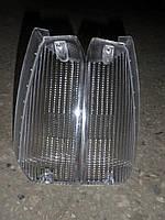 Стекло переднего поворота. Прозрачные стеклышки на Славуту ЗАЗ-1103 Белые стекла поворотов чешских фар
