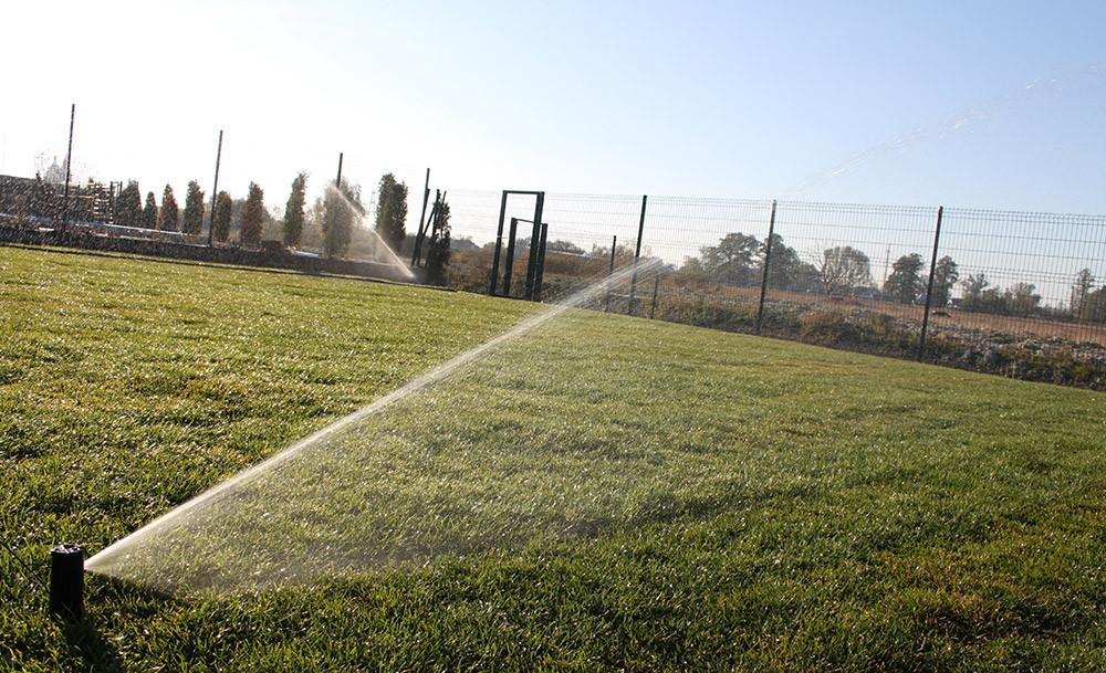Монтаж системы полива в окрестностях столицы