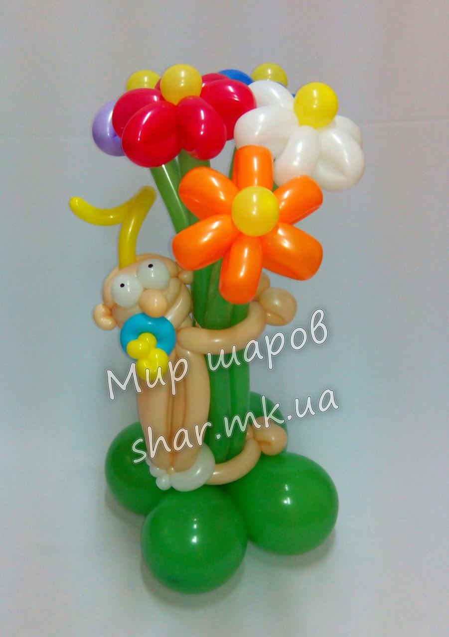 Букет из воздушных шаров с младенцем для выписки из роддома.