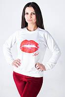 Женская трикотажная толстовка белого цвета с губками Kiss