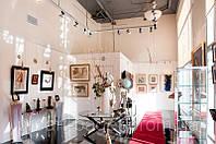 Установка галерейной подвесной системы для картин и фотографий (Крепление профиля к потолку)