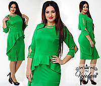 Зеленое  трикотажное платье больших размеров с колье. Арт-9926/41