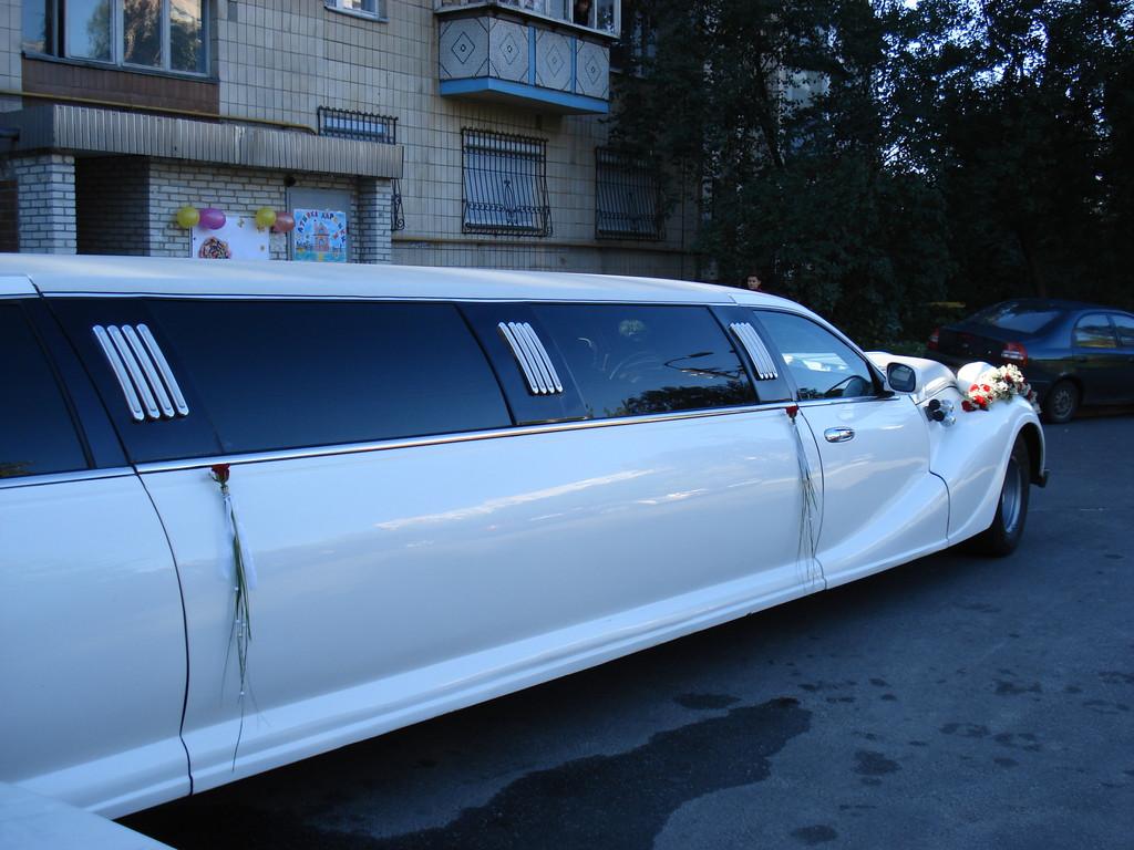 Флористическое оформление автомобиля Киев