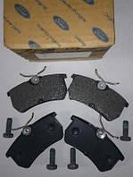 Колодки тормозные задние ford fiesta хэтчбек v 2005-2008 / focus 1999-2004 (производство FORD ), код запчасти: 1075565