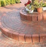 Тротуарная плитка Золотой Мандарин Квадрат Антик 160х160х90 мм бордовый на сером цементе