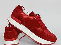 Женские кроссовки красного цвета из натуральной замши и кожи. Возможен отшив в других цветах кожи и замши